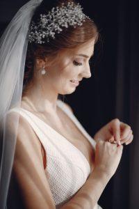 Bride accesories